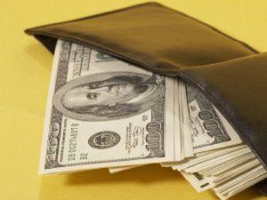 purses_money_dollars_bills_11150_300x225
